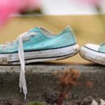 How to wash smelly shoes